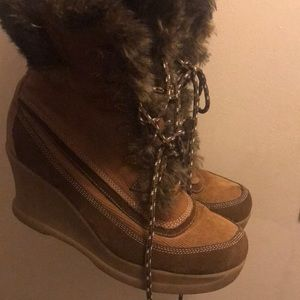 Boots with a wedge